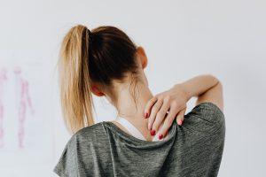 Nackenschmerzen lösen